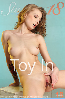 Stunning18 - Eva Gold - Toy In by Antonio Clemens